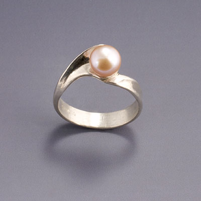 sterling silver Wave ring with pink pearl
